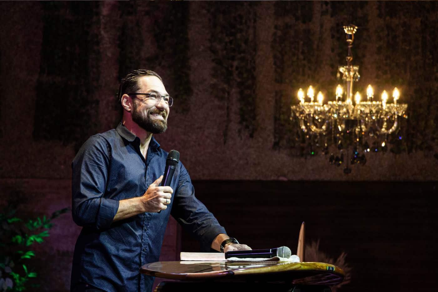 Fé Inteligente - Novo livro do Pastor Eric Vianna, da Igreja Bola de Neve